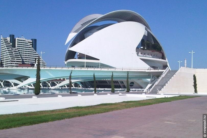 Оперный театр El Palau de les Arts Reina Sofía