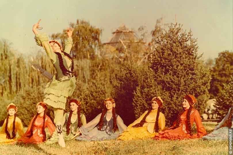 Коллектив народного танца АХБК