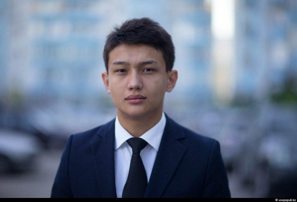 самый красивый парень в казахстане фото формирует характер